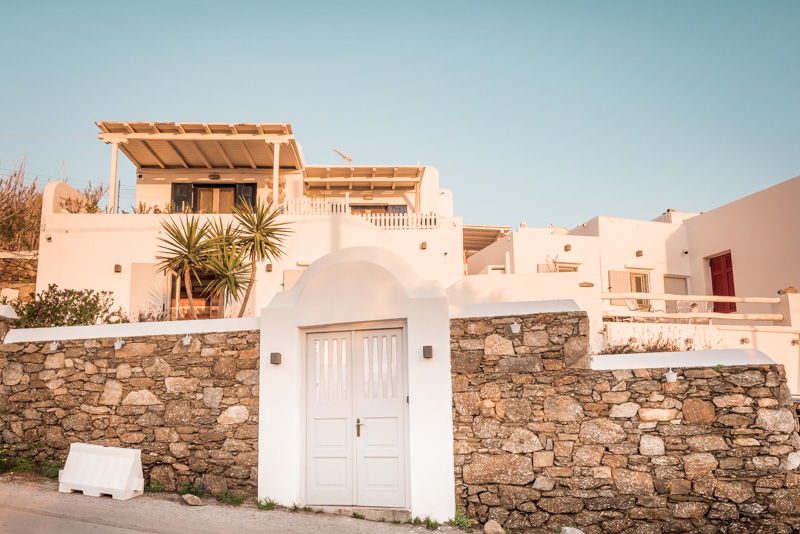 mykonos hotels melangel suites