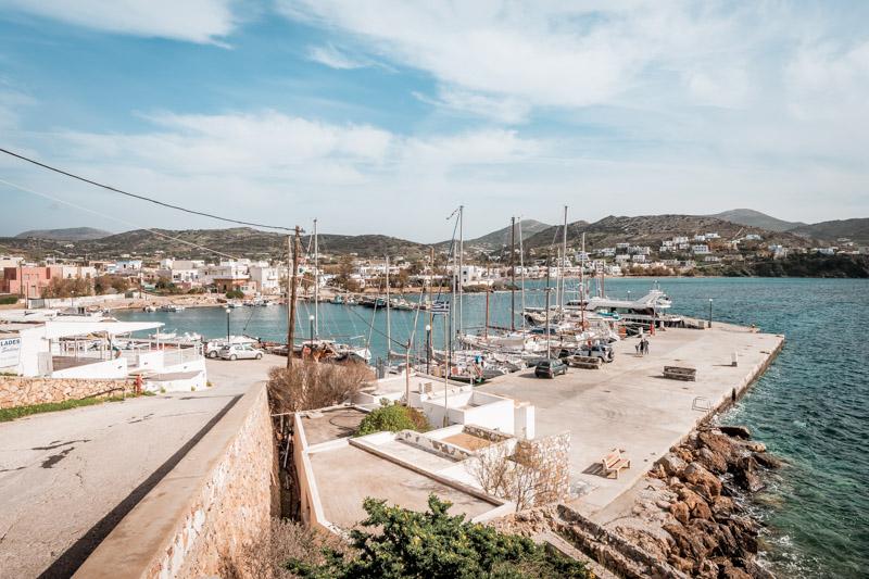 syros finikas hafen segel yachten