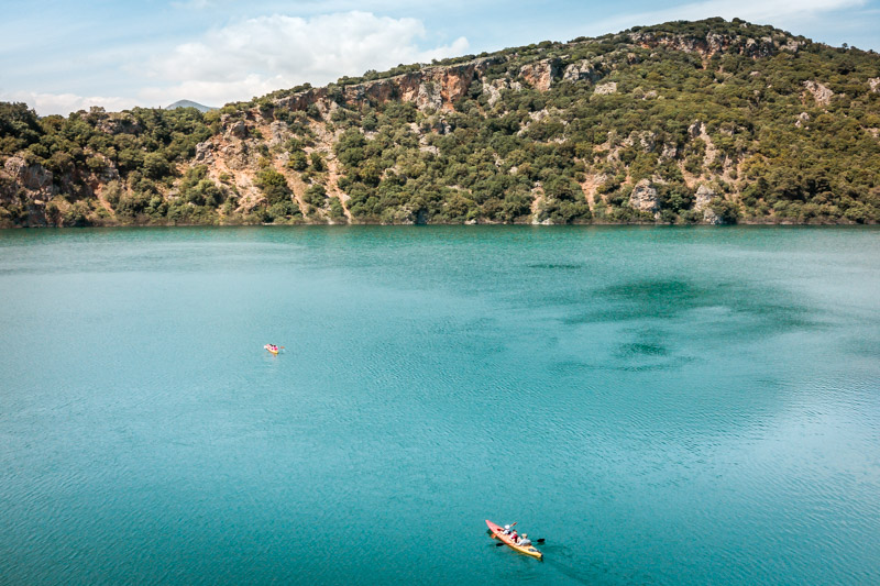kajak zirou lake into the wild