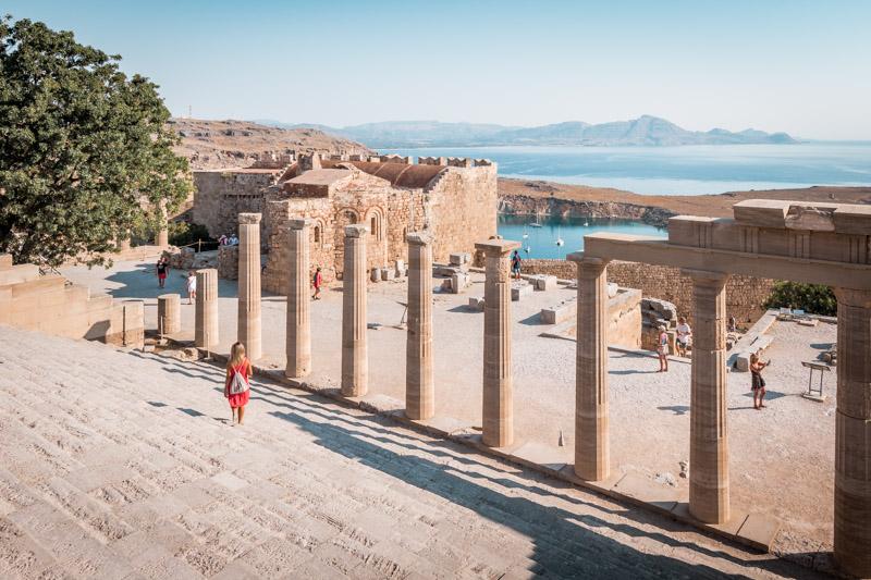 Rhodos lindos akropolis stoa säulen