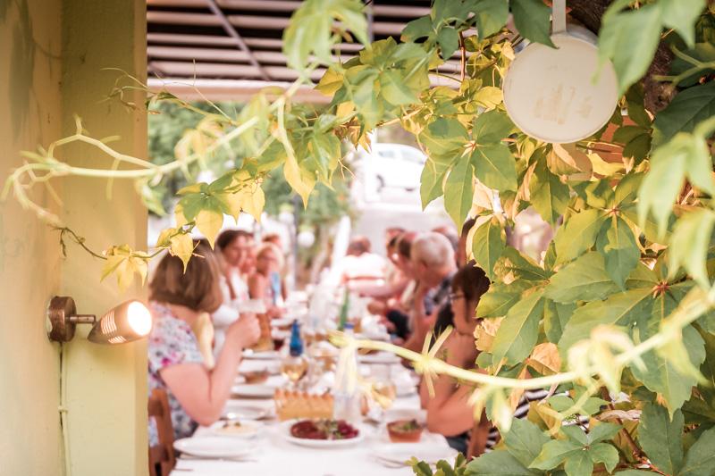 So essen die Griechen Parea Tischgesellschaft