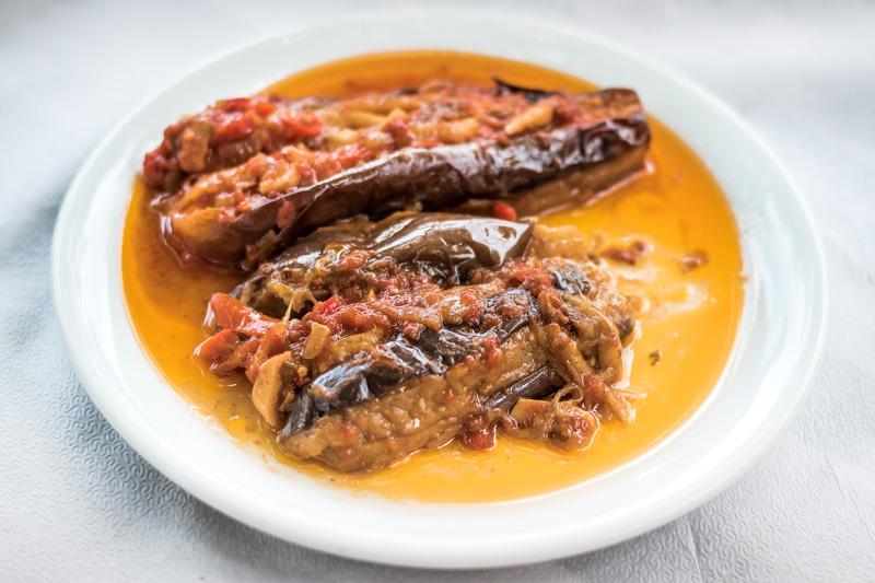 Typisch Griechisches Essen Aubergine im Ofen Melitzanes Imam
