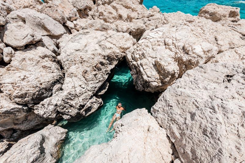 karpathos buchten kato lakko caves meereshöhlen