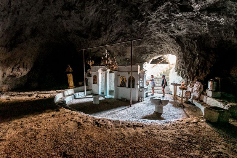 karpathos vourgounda höhlenkirche