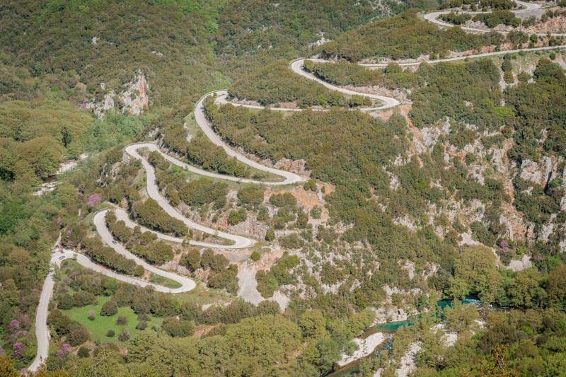 griechenland straßen berge serpentinen