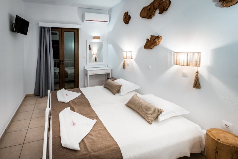 lithos hotel samos pythagorio