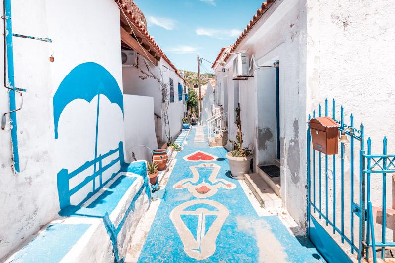 pythagorio gasse blue street samos