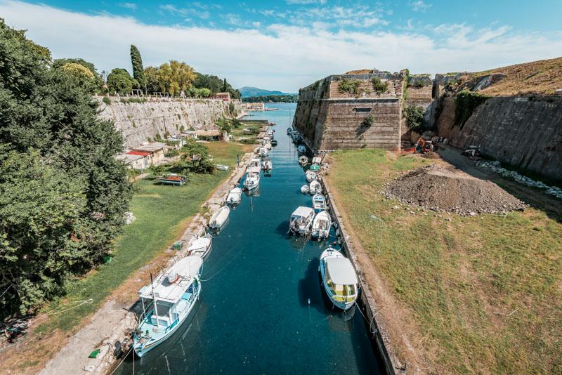 Kerkyra Sehenswuerdigkeiten Alte Venezianische Festung Kanal