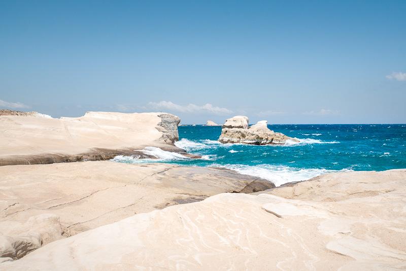 milos sarakiniko beach kykladen