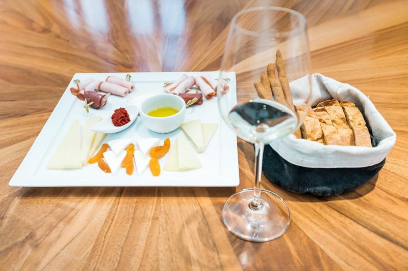 Santorini Weinprobe Weingut Besichtigung Tour