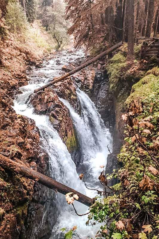 Enipeas Wasserfaelle Griechenland Wanderung Natur